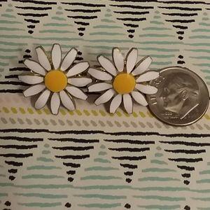 Vintage clip daisy daisy earrings